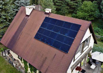 dachy skośne dachówka bitumiczna konstrukcje fotowoltaiczne 1