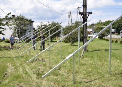 Konstrukcja fotowoltaiczna wbijana w grunt dwupodporowa